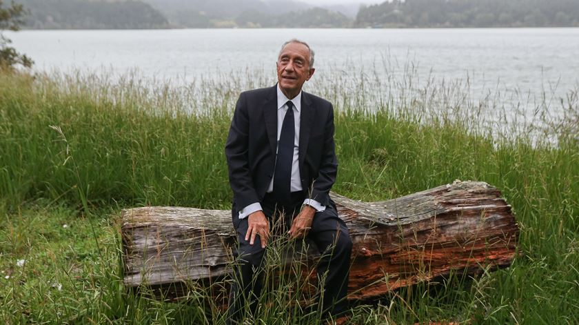 Presidente faz uma pausa durante a visita aos Açores do ano passado. Foto: Miguel A. Lopes/Lusa