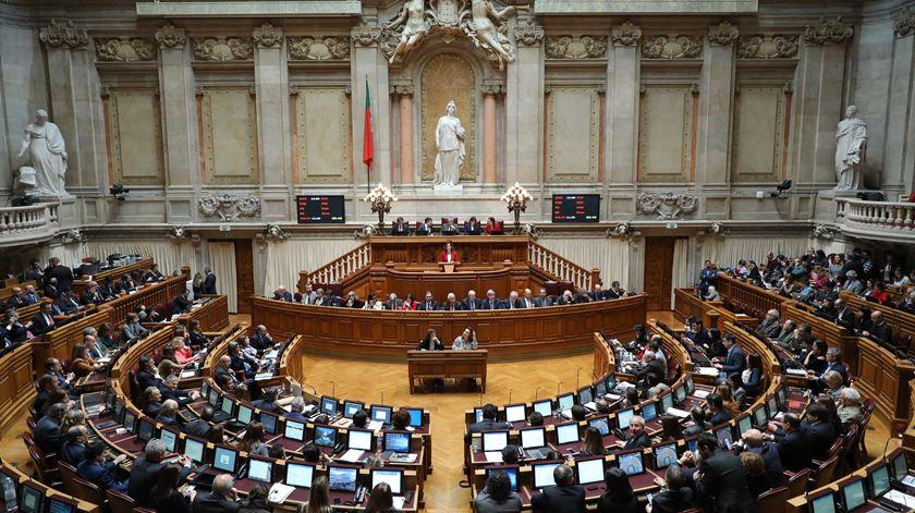 """Lisboa e Porto """"roubam"""" mandatos a Guarda e Viseu e há mais 1,2 milhões de eleitores"""