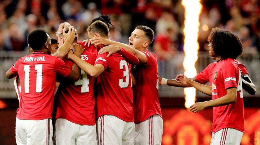 Manchester United goleia Leeds com Dalot e Joel Pereira