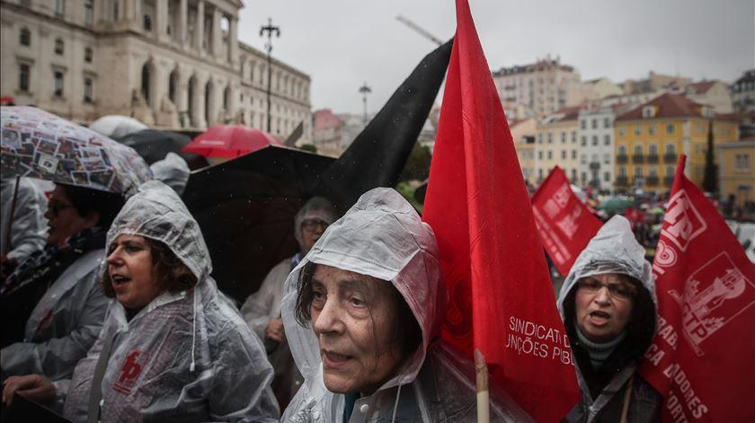 """""""Valeu a pena"""". Seis mil protestaram contra proposta de aumento de 0,3% na função pública"""
