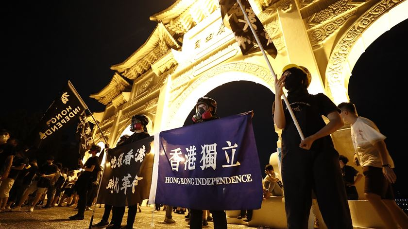 Hong Kong. Livros de ativistas pró-democracia passam a estar indisponíveis