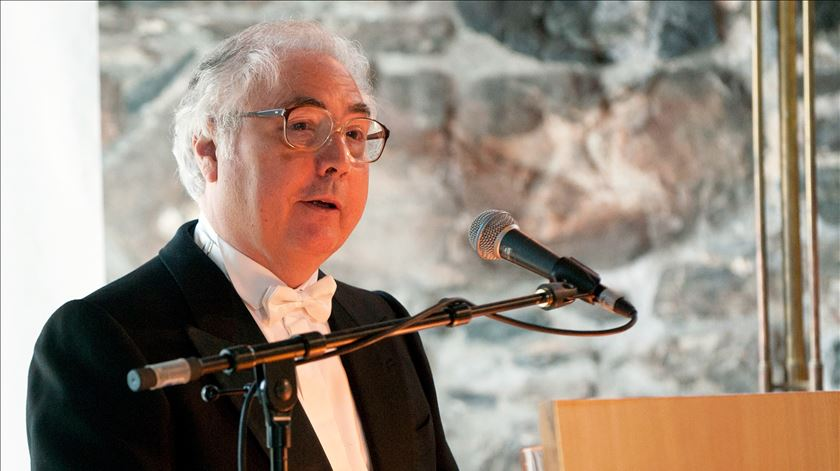 Manuel Castells quando recebeu o Holberg Prize, na Noruega, em 2012. Foto: Reuters