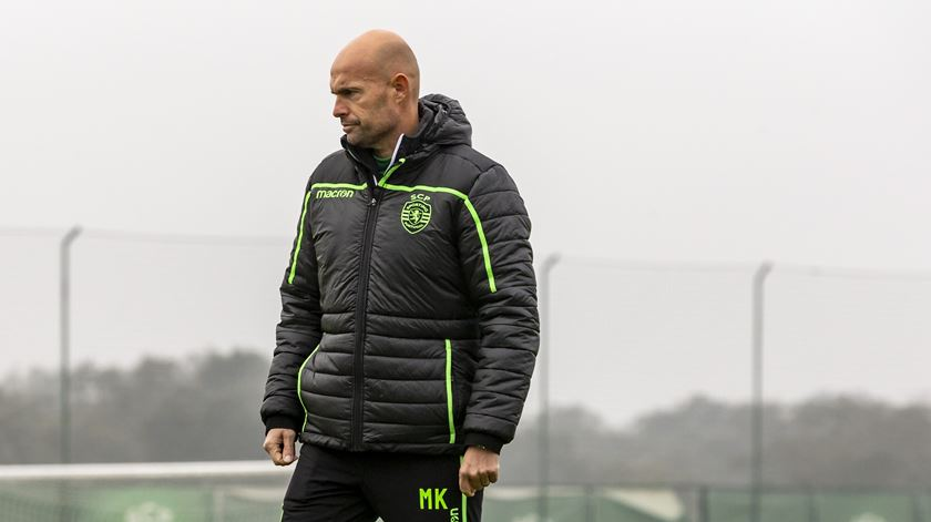 """Keizer admite dificuldade extra por jogar """"em casa do Braga"""""""