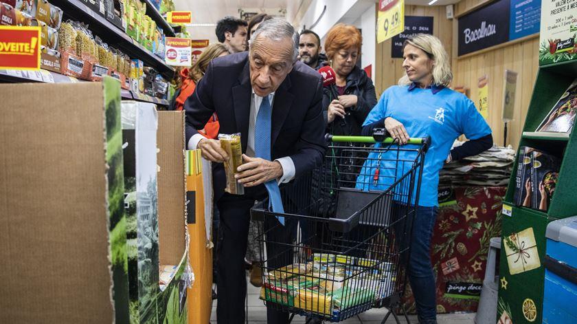 Mais de mil toneladas de alimentos no primeiro dia de Banco Alimentar