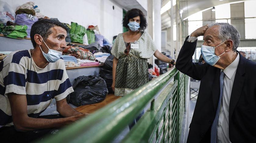 Marcelo agradece acolhimento de sem-abrigo e espera reabertura de coletividades