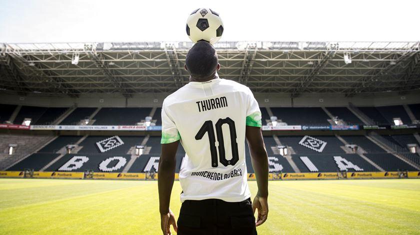 Filho de Lilian Thuram assina pelo Borussia Monchengladbach