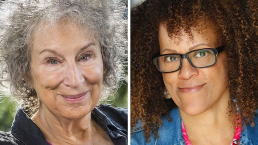 Margaret Atwood e Bernardine Evaristo vencem Booker Prize