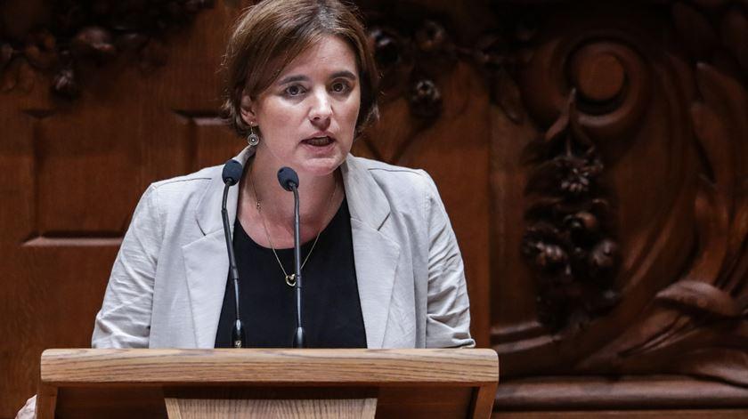 """Ministra aponta SNS como """"primeiro objetivo"""", PSD diz que Plano 2020/2030 não tem rumo"""