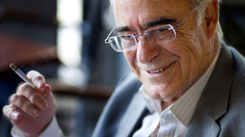 Escritor Mário Zambujal vai ser homenageado na edição deste ano do Escritaria. Foto: Miguel Baltazar