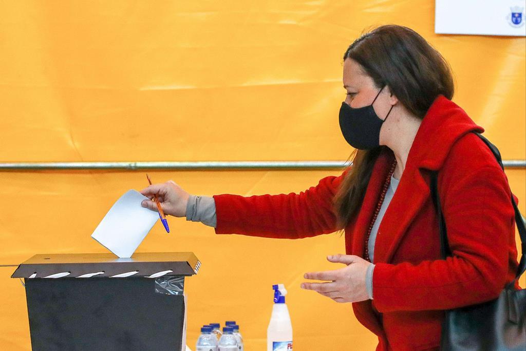 Marisa Matias votou em Coimbra. Foto: Paulo Novais/ Lusa