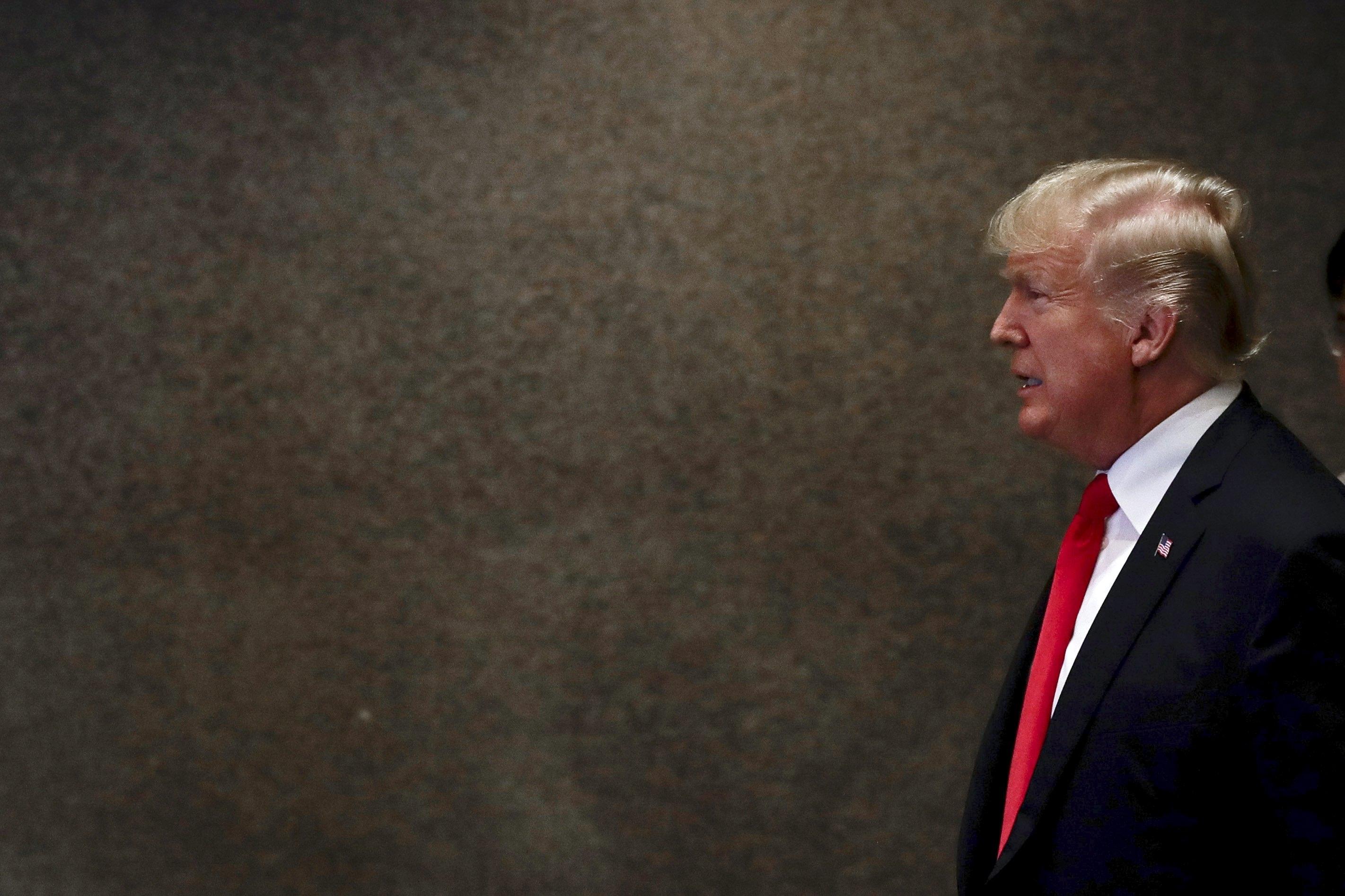 Ex-conselheiro de Segurança de Trump mentiu sobre ligação com a Rússia