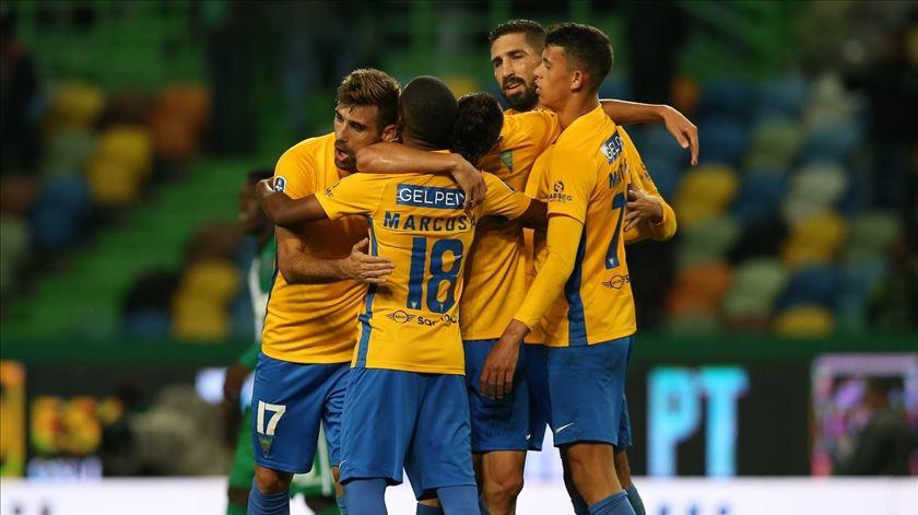 Sporting garante médio promissor do Estoril