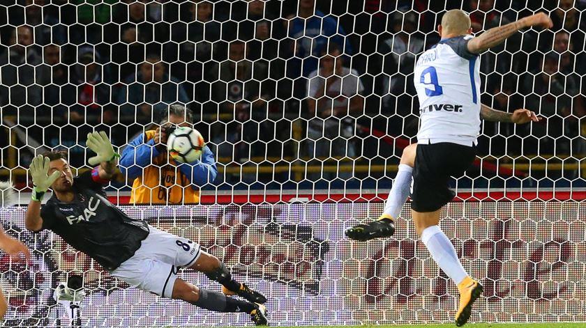 Inter tropeça em Bolonha e tem liderança em risco