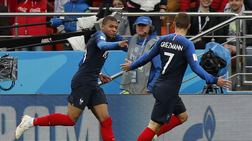 """Pais queriam batizar o filho como """"Griezmann Mbappé"""" (mas o registo civil francês recusou)"""