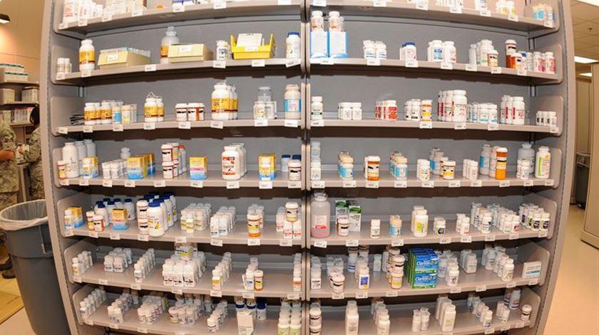 Esta aplicação vai ajudá-lo a poupar na farmácia