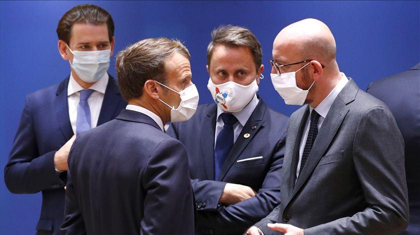 Conselho Europeu. Charles Michel prossegue consultas bilaterais com Macron, Merkel e Rutte