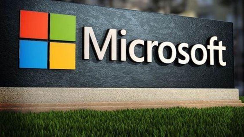 Microsoft compromete-se a alcançar pegada de carbono negativa até 2030