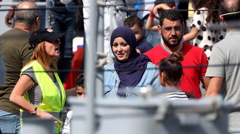 """Portugal recebe mais 10 migrantes do """"Aquarius II"""""""