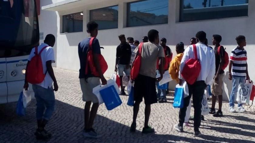 Migrantes a chegar à Bobadela. Foto: MAI/DR