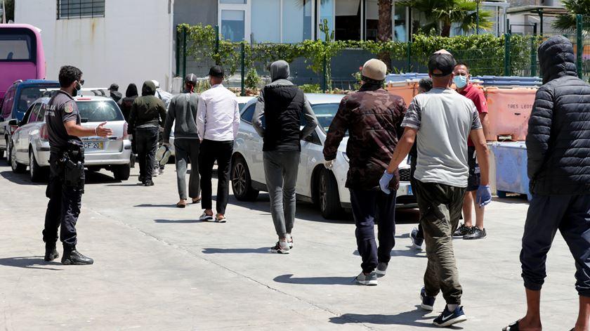 Capturados os três migrantes marroquinos que fugiram do Aeroporto do Porto