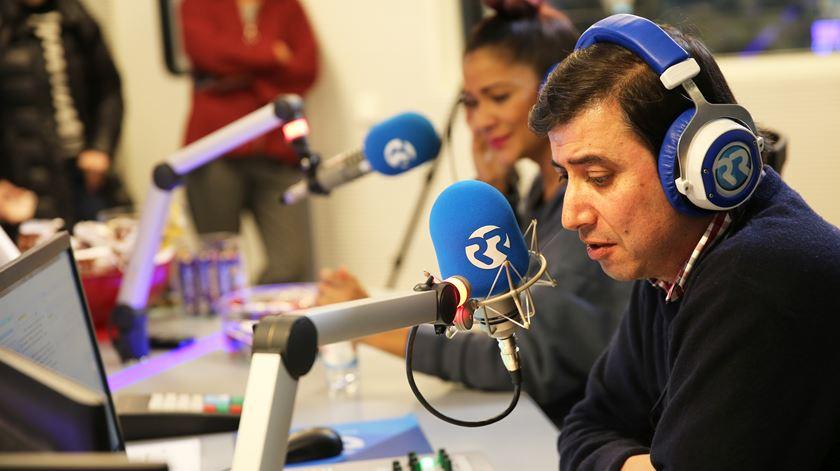 O jornalista Miguel Coelho e a fadista Raquel Tavares