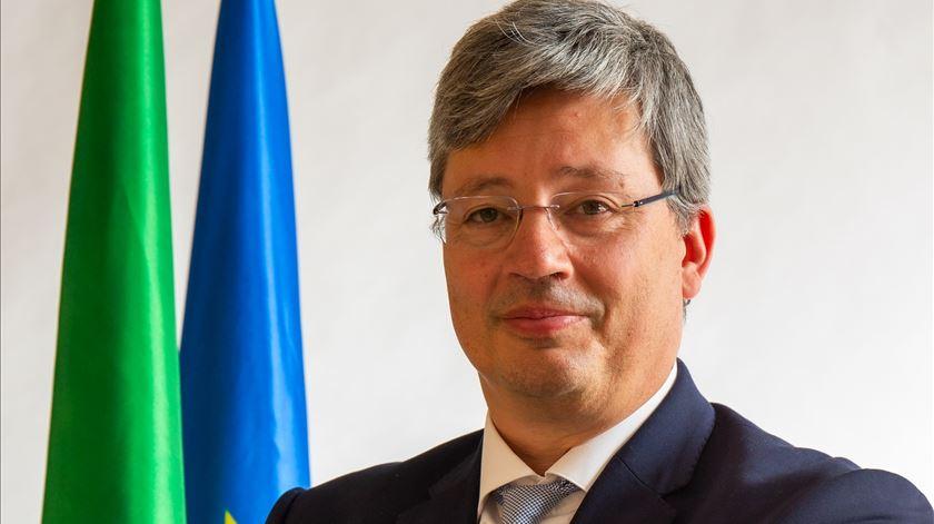 """Governo tomará """"as medidas necessárias para proteger"""" Efacec"""