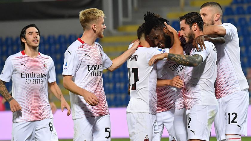 Milan ganha antes de defrontar Rio Ave