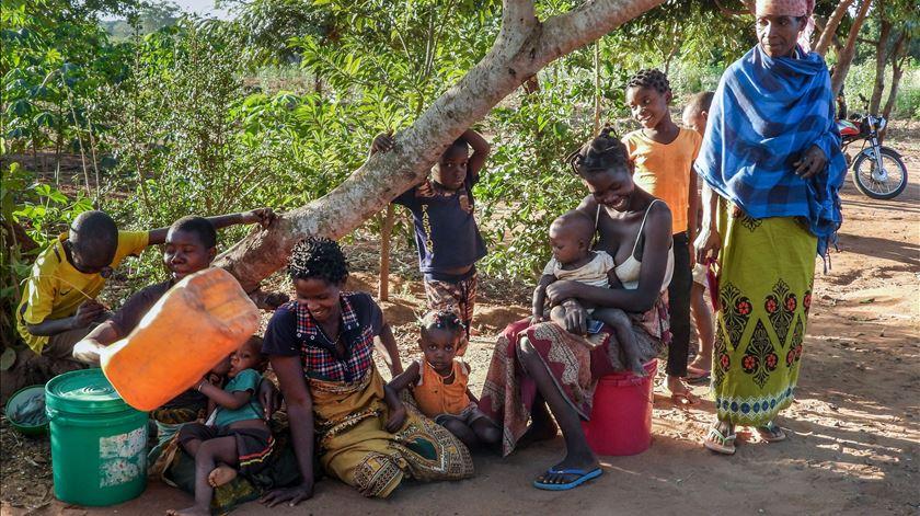 Milhares de deslocados fogem de zonas de conflito em Cabo Delgado, norte de Moçambique. Foto: Jorge Vasco Quembo/Lusa