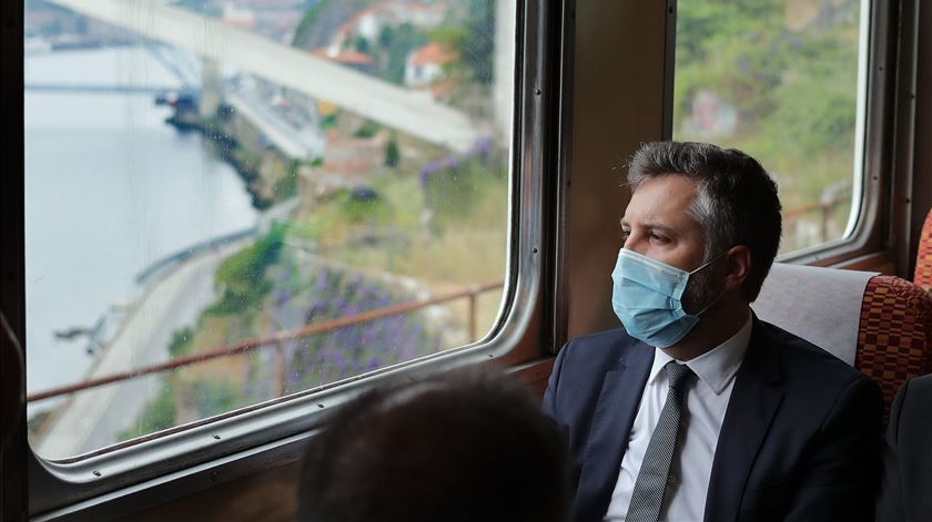 Comboios com amianto na Linha do Minho? CP garante carruagens limpas até dezembro