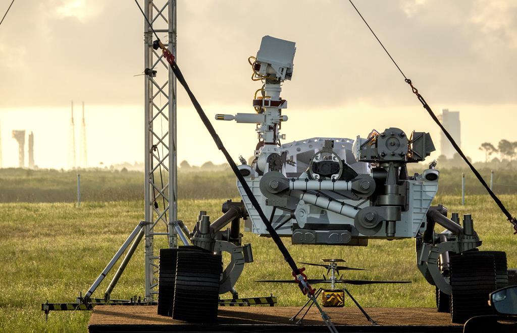 Modelo do robô da NASA enviado para Marte na missão Perseverance. Foto: Cristobal Herrera-Ulashkievich/EPA