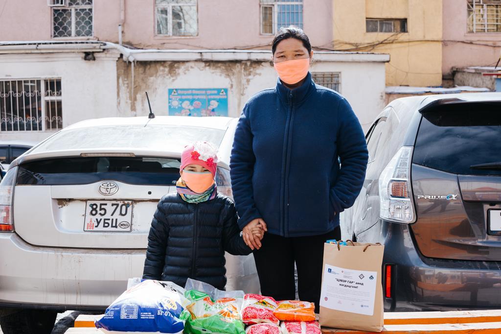 Mãe e criança na Mongólia durante a pandemia de Coronavírus. Foto: Suniko Photography/PIN Mongolia