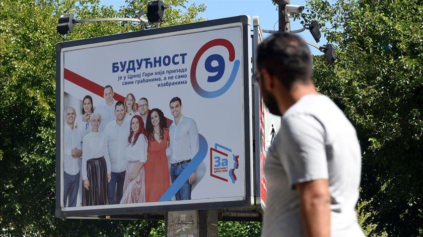 Montenegro escolhe entre pró-Ocidentais e pró-sérvios/russos para o Parlamento
