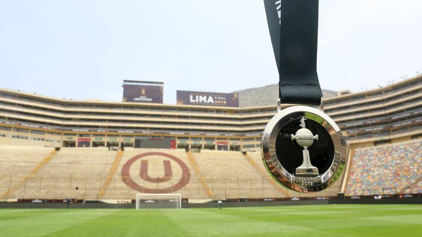 Estádio da final da Libertadores assaltado durante a noite