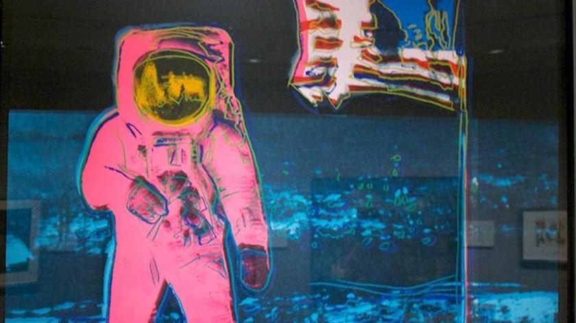 """""""Fly me to the moon"""". A viagem do Homem à Lua, do cinema à música, da literatura à pintura"""