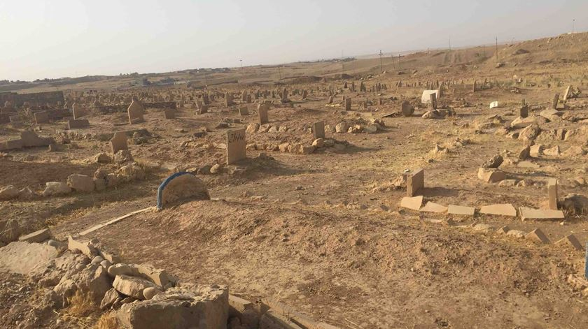 O cemitério que foi o pano de fundo da estadia do jornalista em Mossul. Foto: Paulo Moura