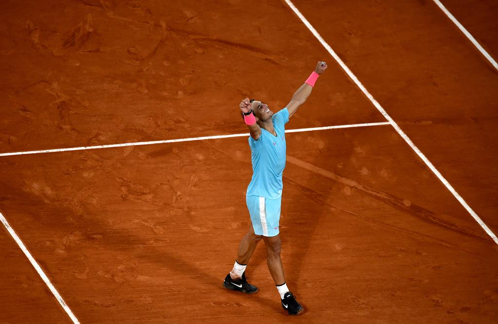 Rafael Nadal triunfou 13 vezes na terra batida de Paris. Foto: Julien de Rosa/EPA