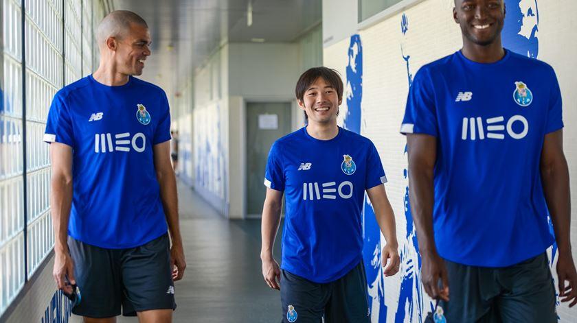 Nakajima troca de camisola no FC Porto