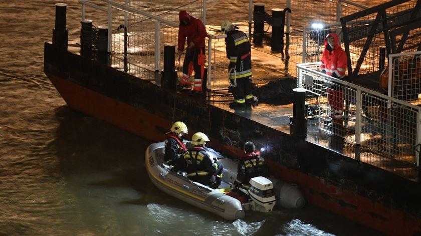 Naufrágio de barco turístico em Budapeste faz pelo menos sete mortos