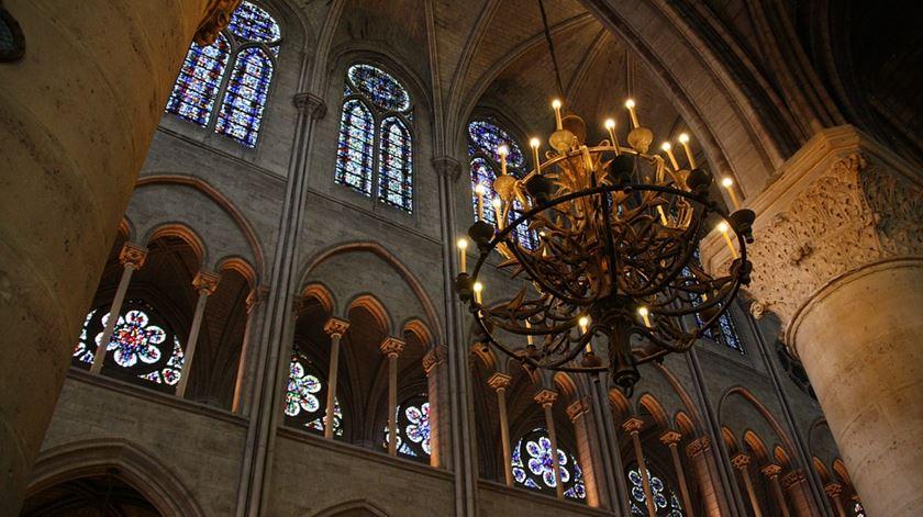 Um dos castiçais da catedral. Foto: Pixabay.