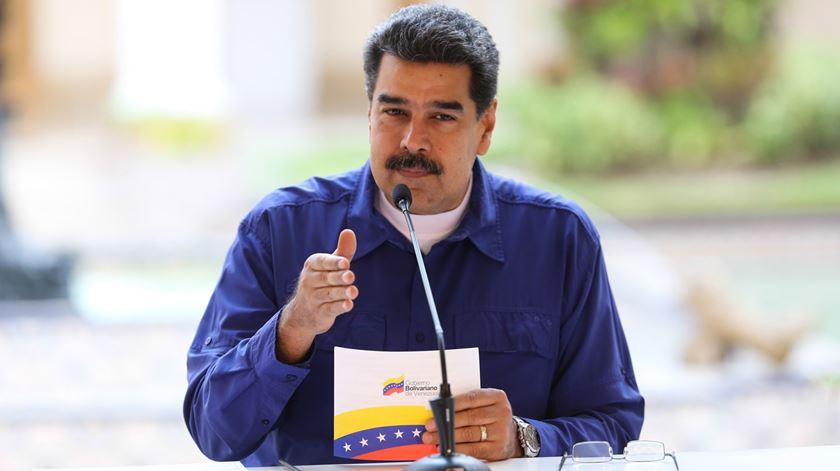Venezuela. Maduro desafia oposição para eleições legislativas antecipadas