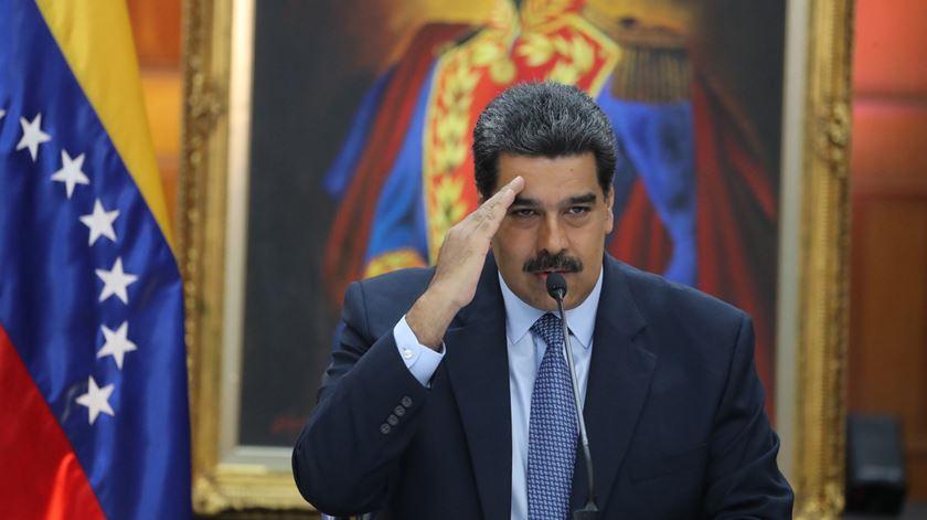 Maduro pede aos parceiros do petróleo que apoiem Venezuela contra sanções dos EUA