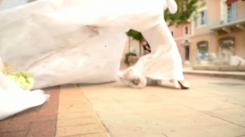 Vídeo captura momento em que explosão interrompe sessão de noiva em Beirute