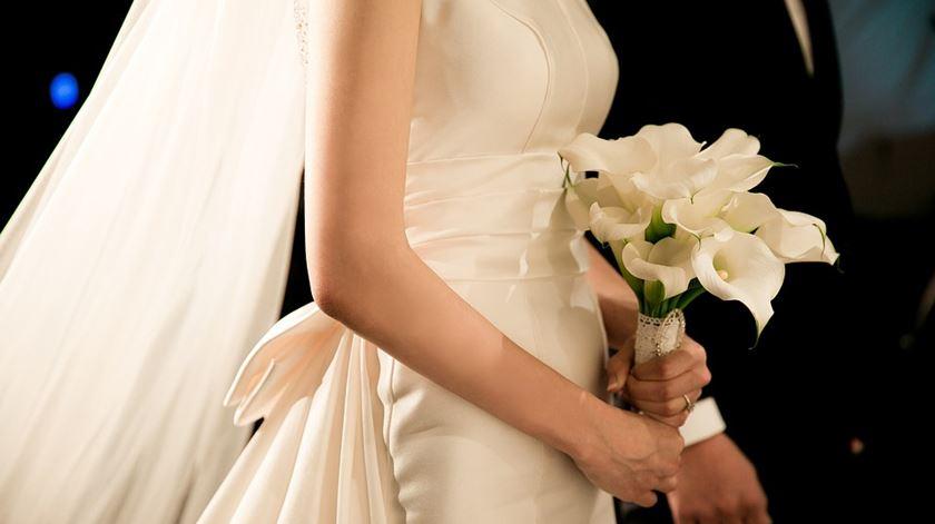 Como é que os cônjuges podem renunciar à herança?