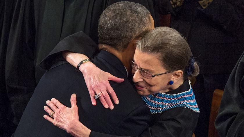 """Obama lembra Ginsburg: """"litigante implacável e jurista incisiva"""""""