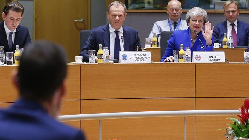 """Conselho Europeu aprova """"divórcio"""" com o Reino Unido. """"É um dia triste"""""""