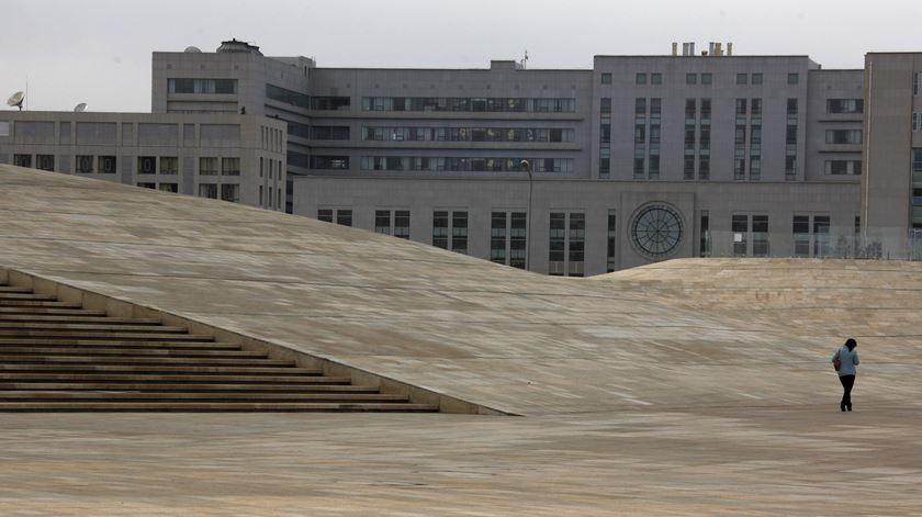 """O """"lado B"""" da China. O grande êxodo chinês está mesmo a criar """"cidades fantasma""""?"""