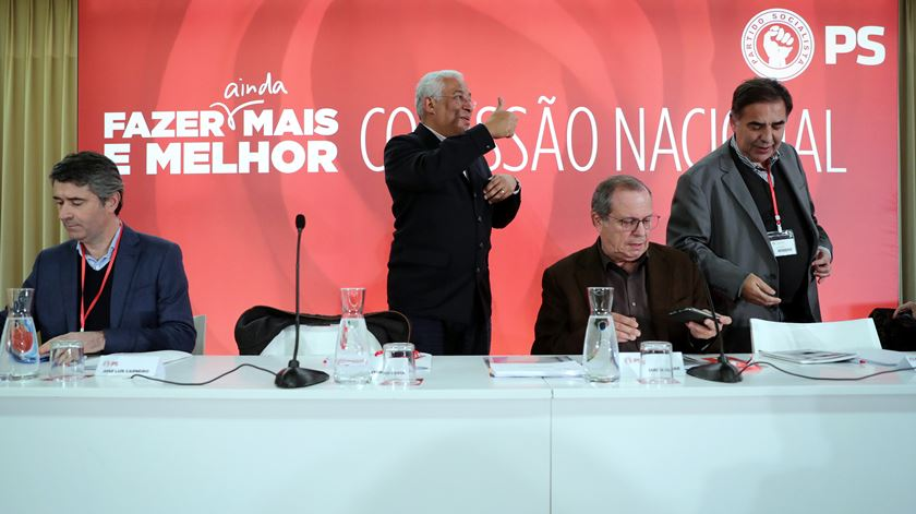 """Presidenciais. PS remete para """"hora própria"""" comentário sobre candidatura de Ana Gomes"""