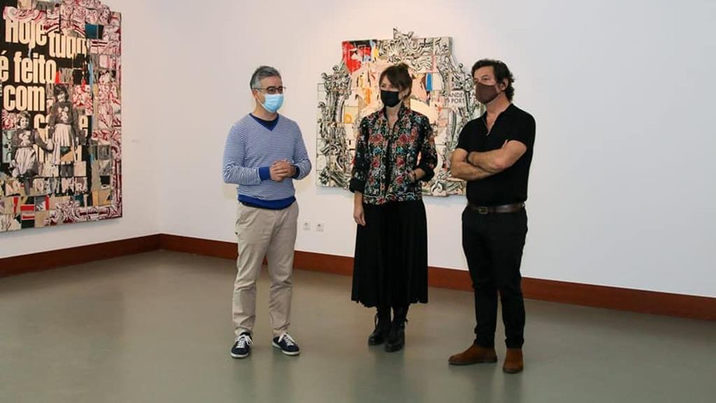 Inauguração da exposição, que vai estar patente até ao final de junho. Foto: Facebook/OvarCultura