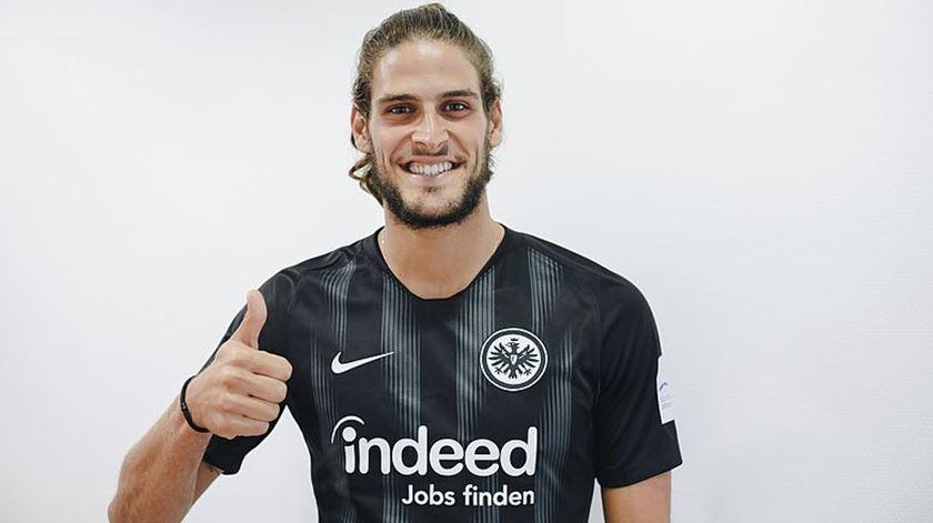 Gonçalo Paciencia é o novo reforço do Eintracht Frankfurt. Foto: Site do Eintracht Frankfurt.