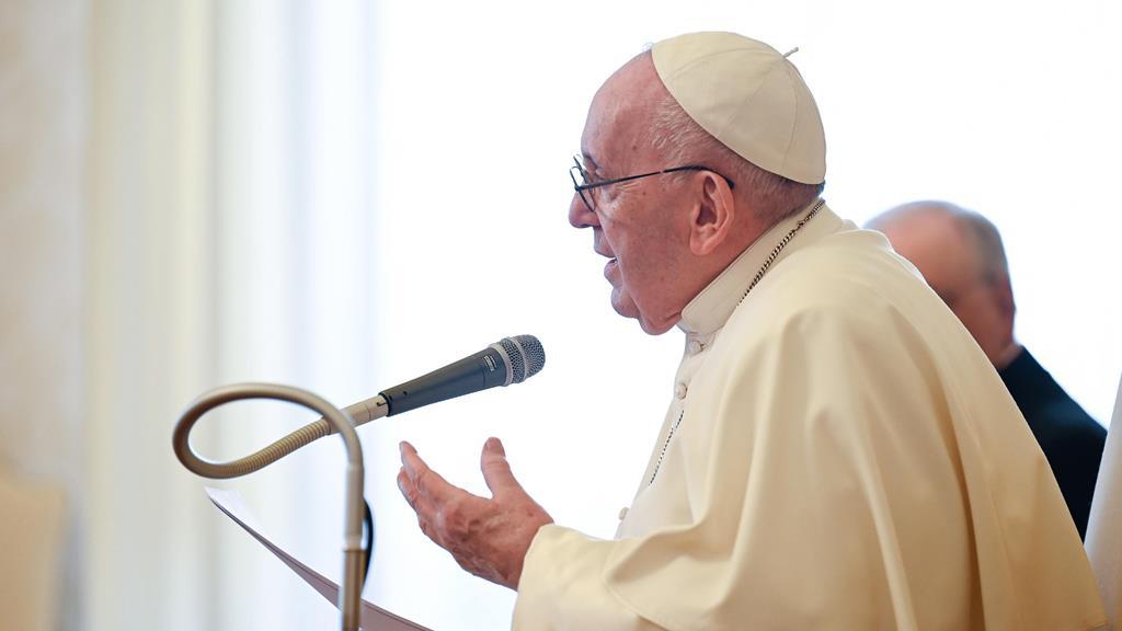 Papa defende uma nova rede relações que promovam o desenvolvimento integral de todos os povos. Foto: Vatican Media/EPA